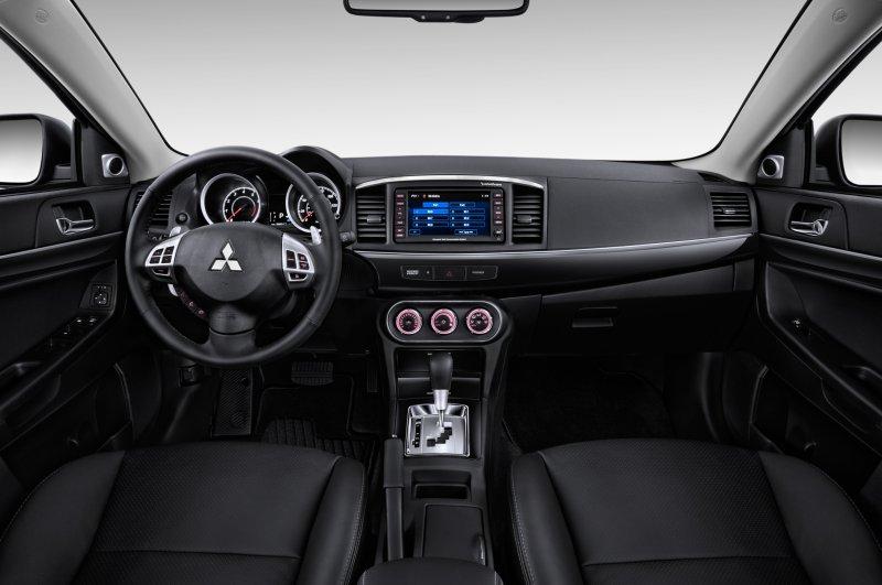 Тест-драйв Mitsubishi Lancer (2014)