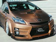 Toyota Prius в агрессивном тюнинге Kuhl