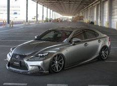 Lexus IS350 F Sport в обвесе Lexon на дисках Vossen