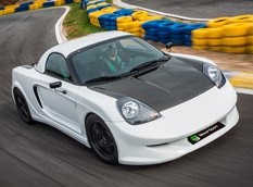 PB Motorsport приспособил Toyota MR2 для езды по треку