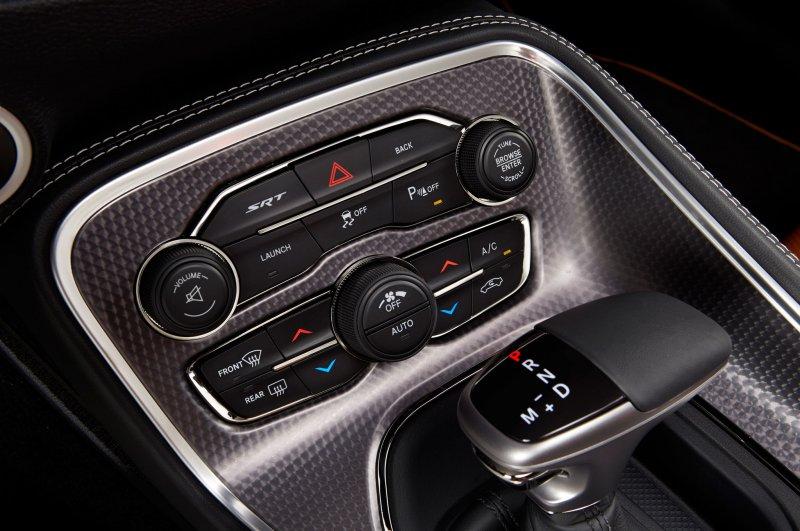 Тест-драйв Dodge Challenger SRT (2015)
