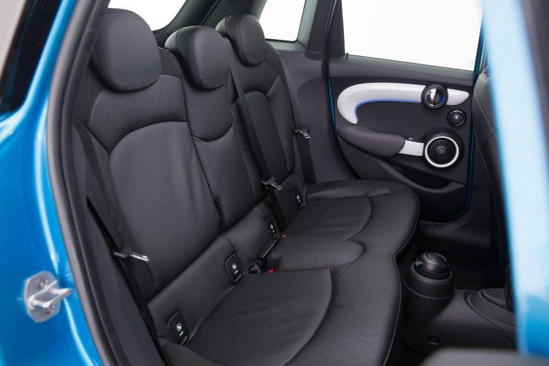У MINI Cooper появилась пятидверная версия