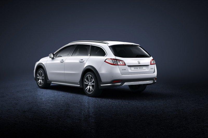 Peugeot полностью рассекретил новый седан 508