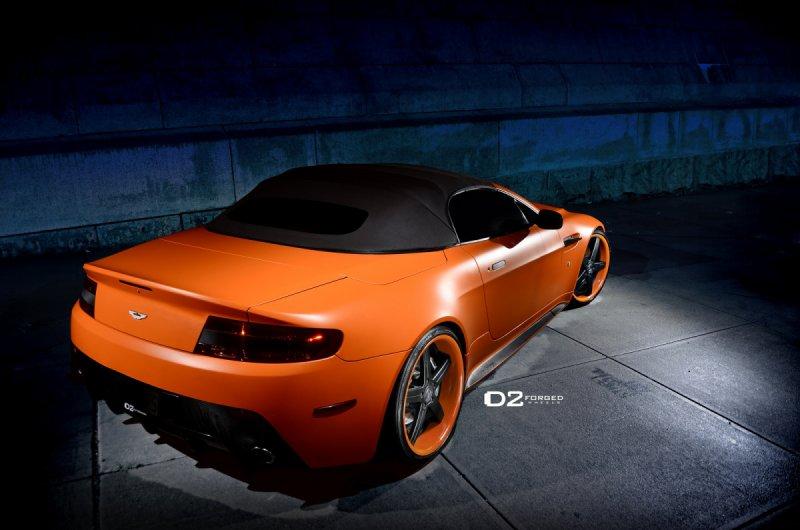 Aston Martin V8 Vantage Roadster на дисках D2Forged