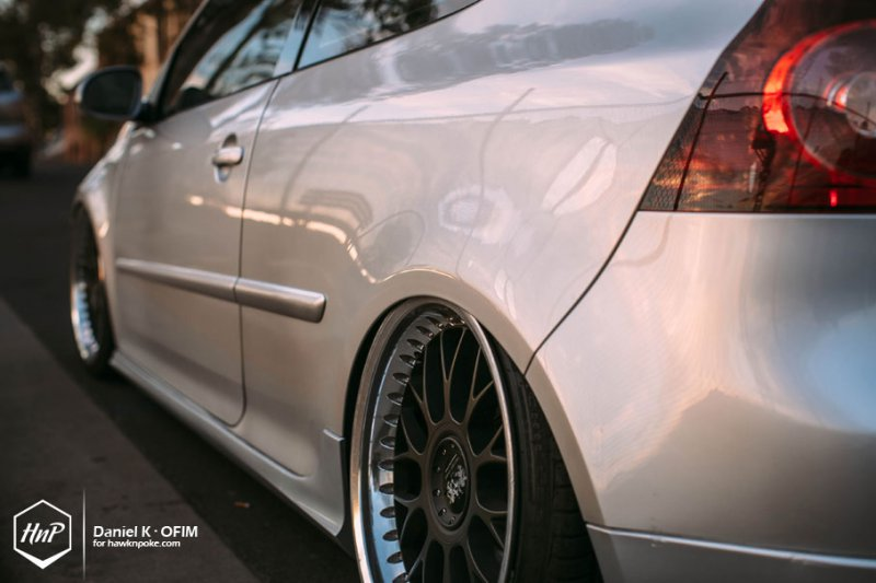 Volkswagen Golf GTI в легком индонезийском тюнинге