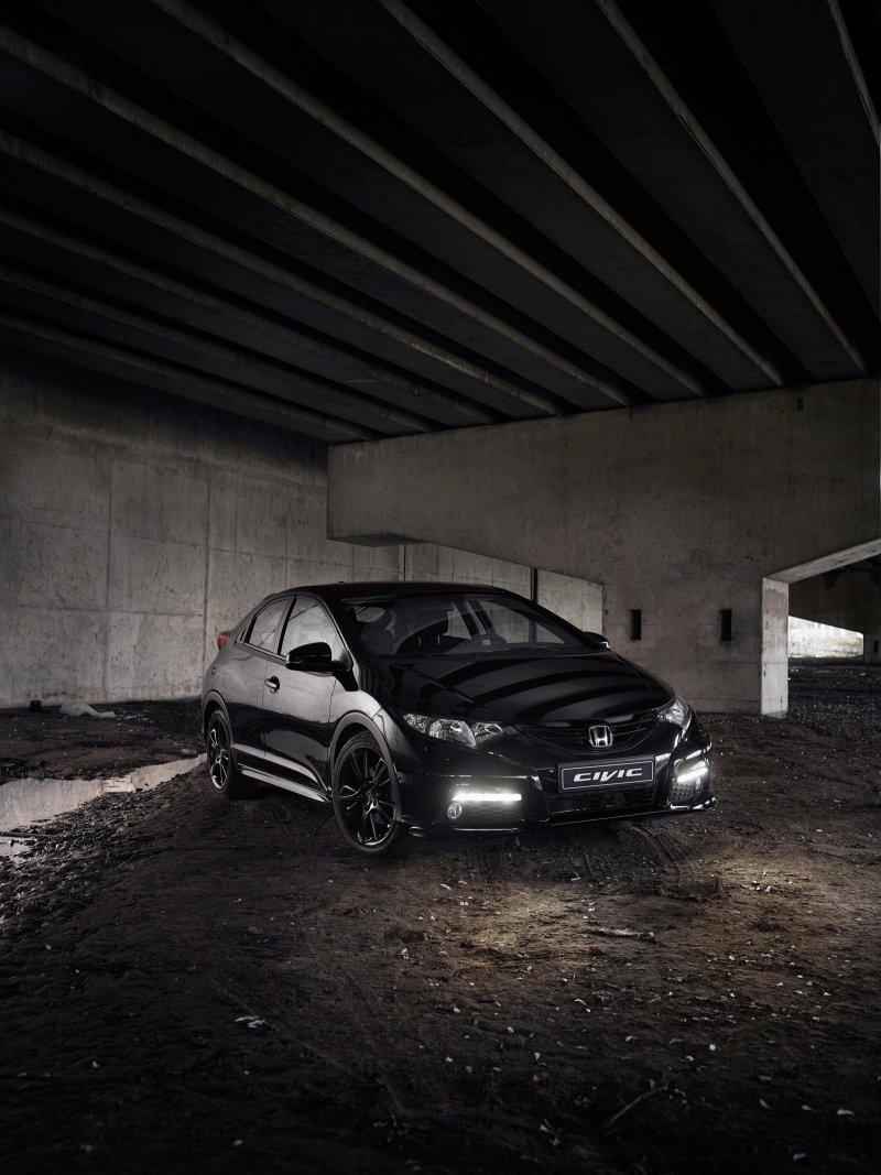 Для рынка Британии выпустили спецверсию Honda Civic Black Edition