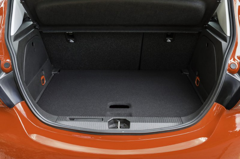 Opel рассекретил новое поколение хэтчбека Corsa