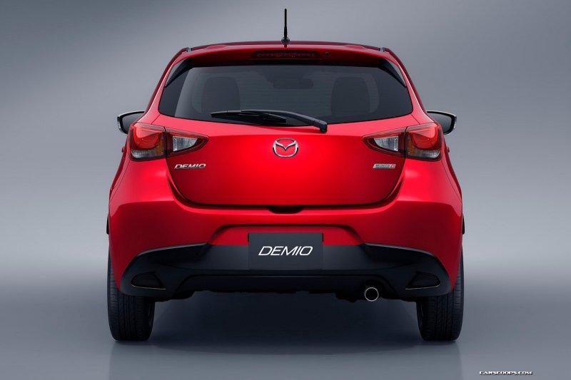 Компактный хэтчбек Mazda2 сменил поколение