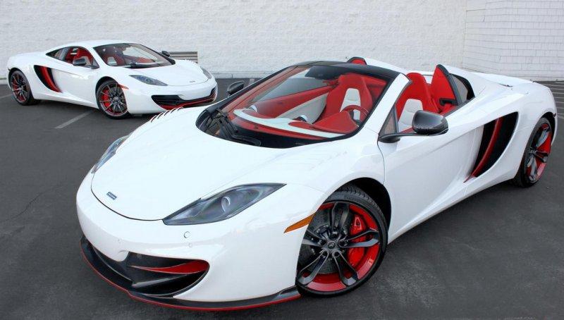 Дуэт McLaren MP4-12C Project 8 продают за 688 888$