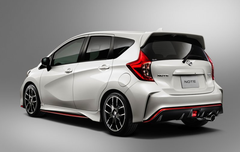 Nissan частично рассекретил Note Nismo и Note Nismo S