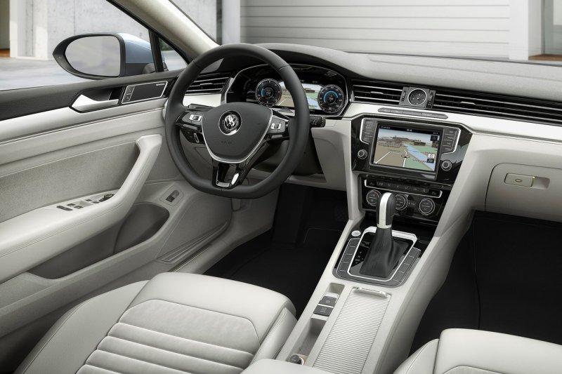 Тест-драйв Volkswagen Passat Variant (2015)