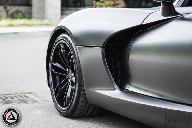 Черный матовый SRT Viper от ателье Inspired Auto