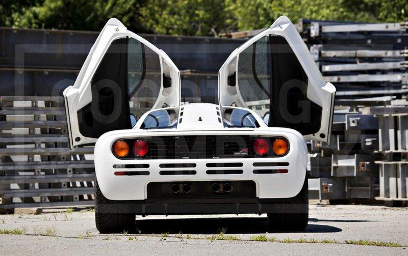 Уникальный суперкар McLaren F1 продадут минимум за 12 000 000$