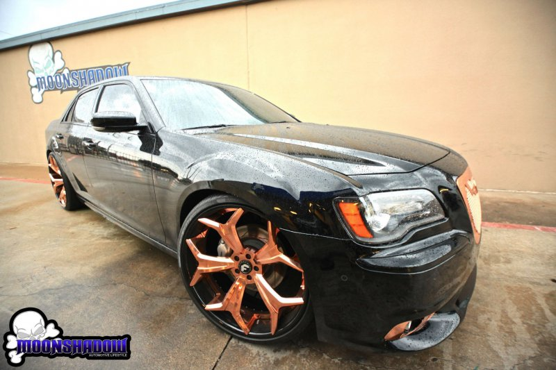 "Chrysler 300 SRT на дисках Forgiato 24"" от Moon Shadow Dallas"