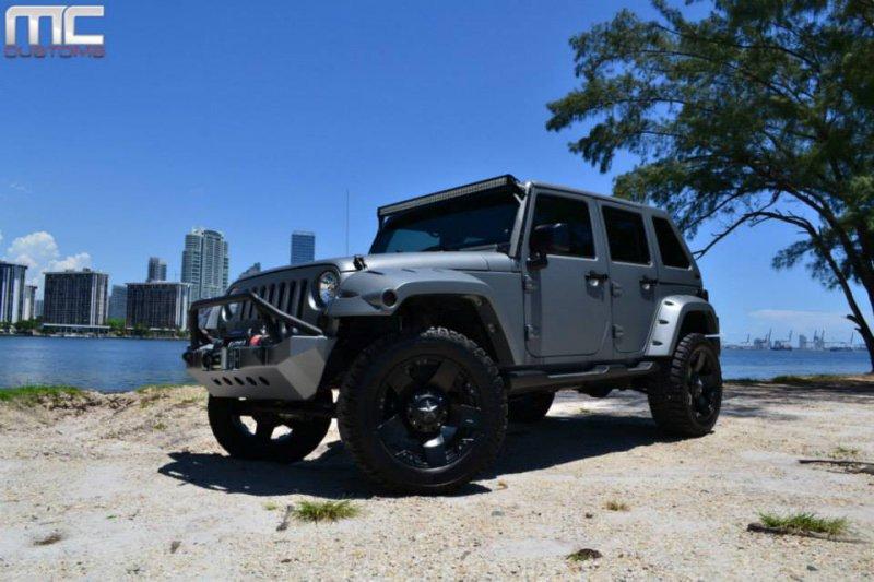 Jeep Wrangler Unlimited в исполнении ателье MC Customs
