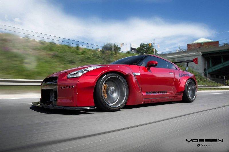 Nissan GT-R в обвесе Rocket Bunny на дисках Vossen Wheels