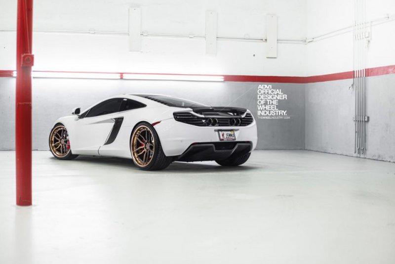 McLaren MP4-12C в послепродажной настройке Fabspeed