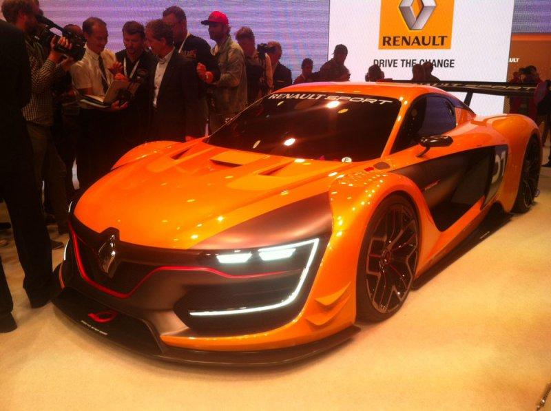 В Москве дебютировал Renault Sport R.S.01 с мотором Nissan GT-R