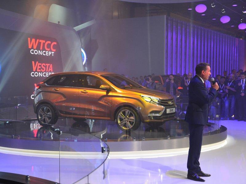 Москва 2014: Lada представила прототип кроссовера XRay2