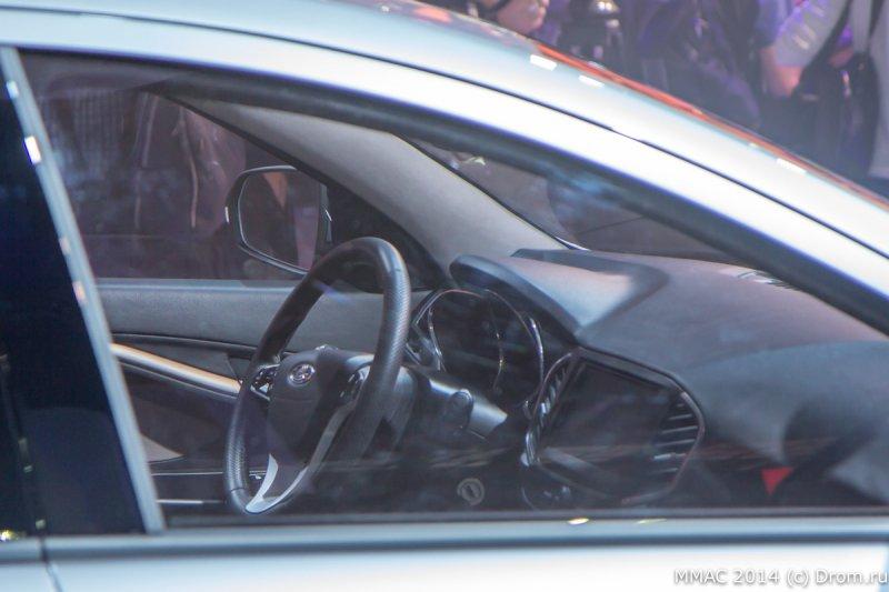 Москва 2014: «АвтоВАЗ» показал концептуальный седан Lada Vesta