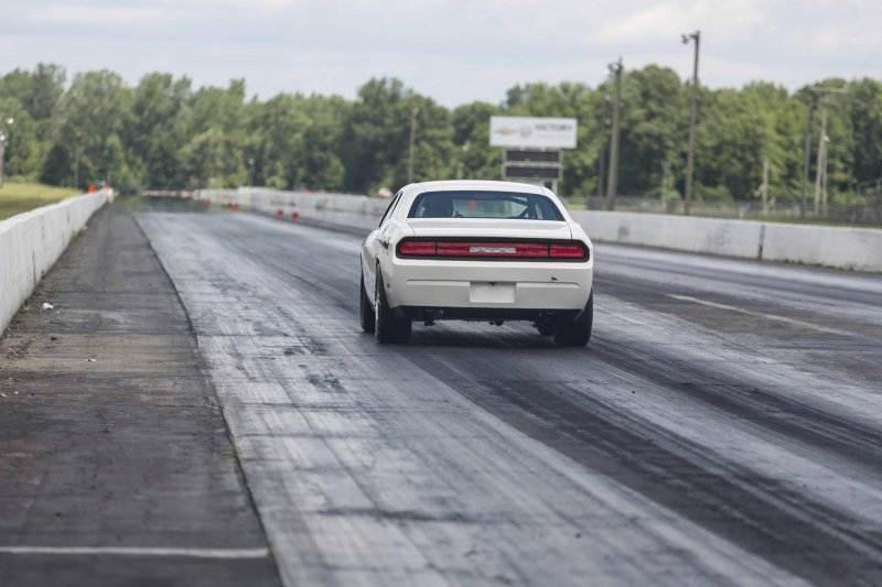 Dodge Challenger Drag Pak оснастили 7,0-литровым двигателем