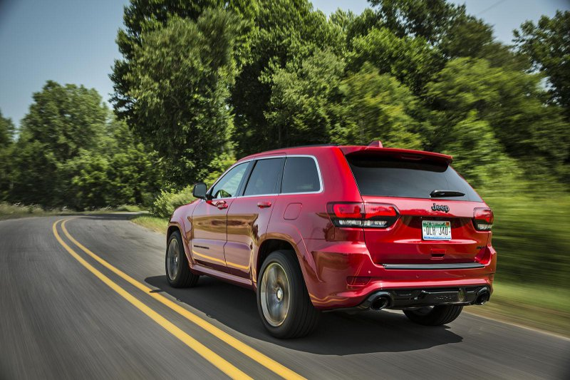 Jeep Grand Cherokee SRT 2015 стал немного мощнее