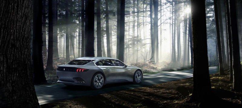 В Париже покажут модернизированный Peugeot Exalt