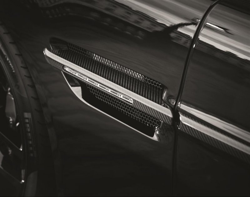 Aston Martin рассекретил Vanquish Carbon Edition