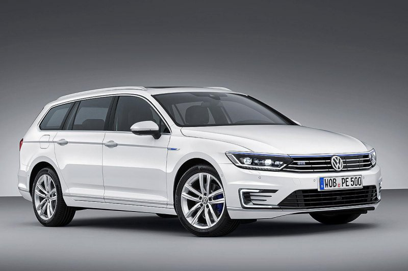 У Volkswagen Passat появилась гибридная версия GTE