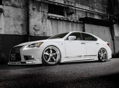 Lexus LS F-Sport в агрессивном обвесе Rowen Japan