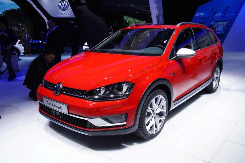 Париж 2014: Volkswagen презентовал вседорожный Golf Alltrack
