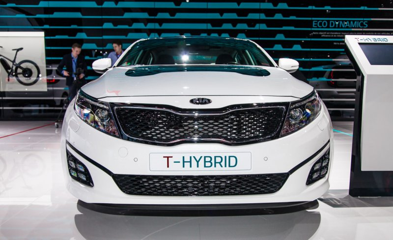 Париж: Kia Optima обзавелась гибридным концептом T-Hybrid