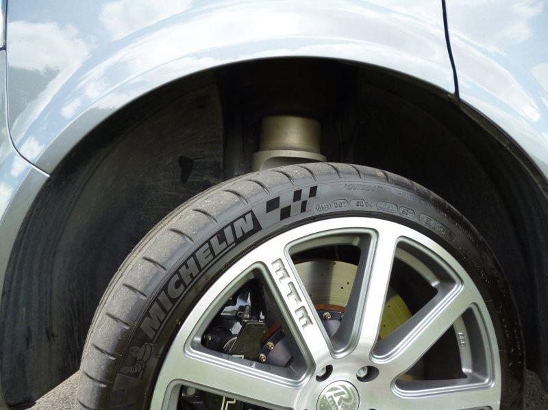 MTM построил «заряженный» фургон T400 на основе  VW T5 Multivan
