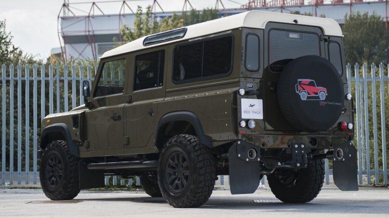 Land Rover Defender XS 110 Chelsea Wide Track от A. Kahn Design