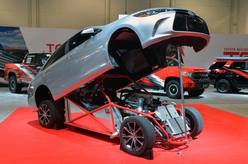 SEMA 2014: Toyota показала 850-сильный драгстер Sleeper Camry