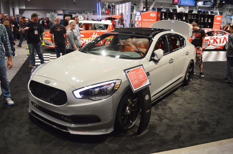 SEMA 2014: Kia представила 650-сильный седан K900
