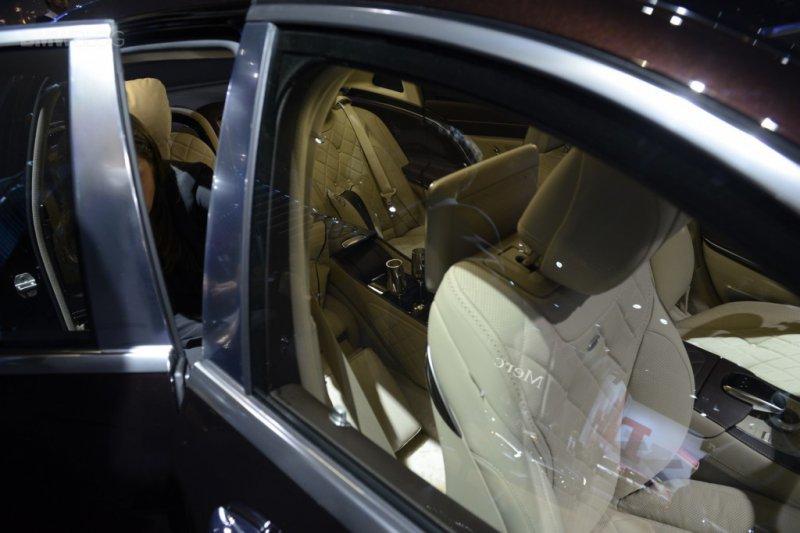 Лос-Анджелес 2014: Mercedes представил новый Maybach
