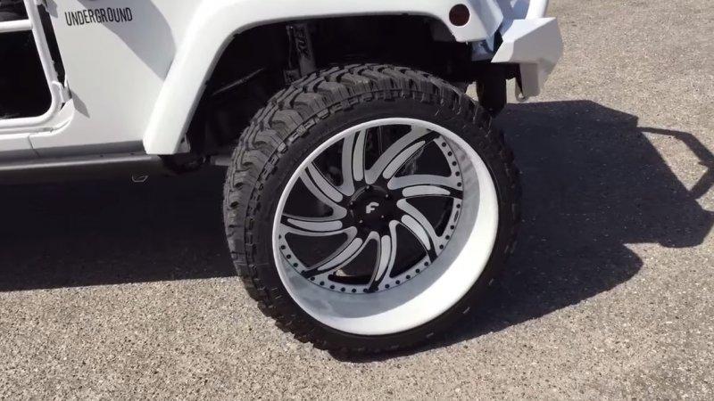 ���������� Jeep Wrangler �� Underground AV