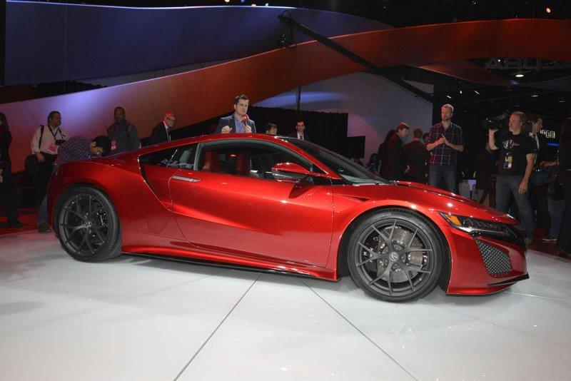 Детройт 2015: Acura представила серийный суперкар NSX