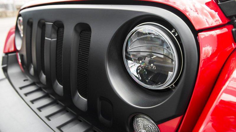Стильный дуэт Jeep Wrangler Sahara CJ400 от A. Kahn Design