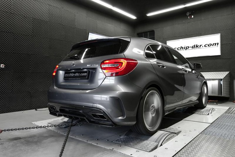 Mcchip DKR добавил мощности Mercedes-Benz A45 AMG