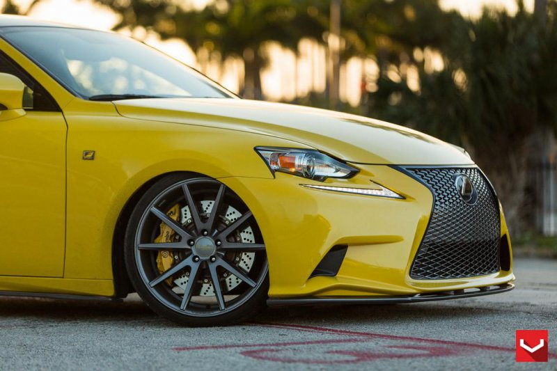 Уникальный Lexus IS 350 F-Sport в обвесе Lexon Exclusive
