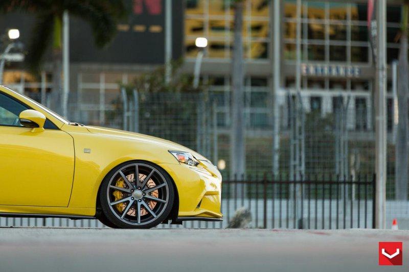 Уникальный Lexus IS 350 F-Sport в обвесе Lexon Exclusive