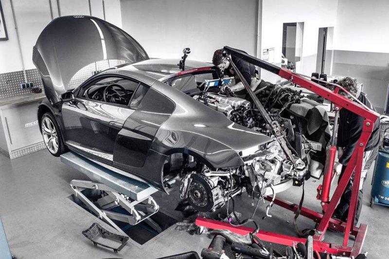 Mcchip-DKR построил дорожный болид на базе Audi R8 V10