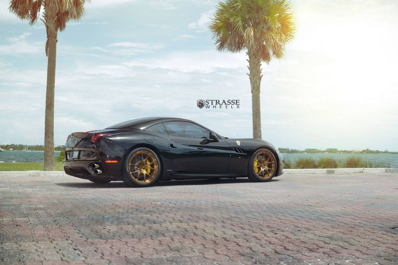 Ferrari California �� ������ �� Strasse Wheels