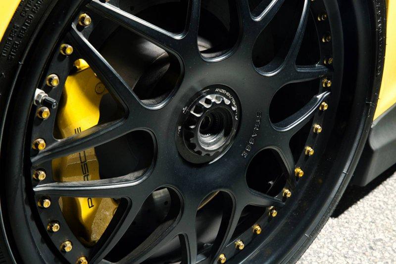 Porsche 911 GT3 на дисках от Strasse Wheels