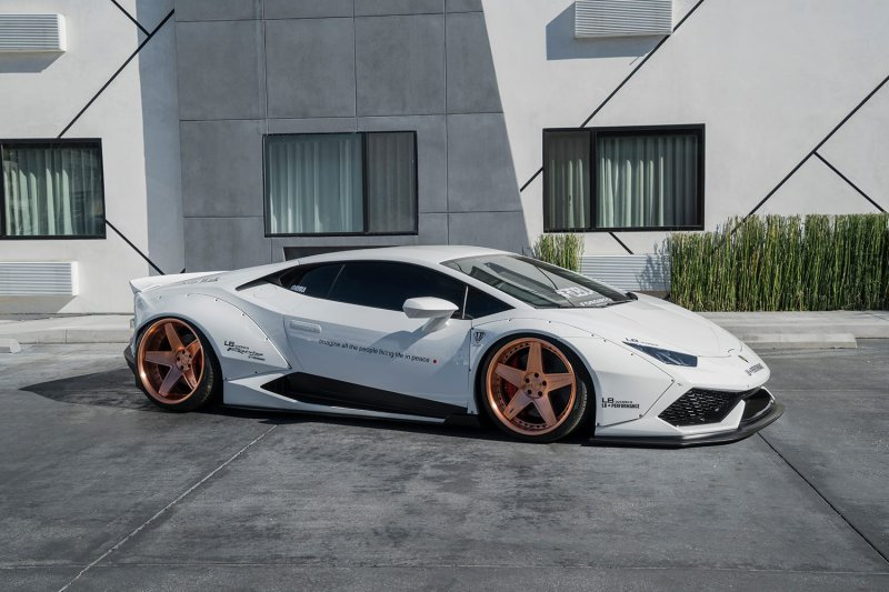 Lamborghini Huracan в исполнении Liberty Walk