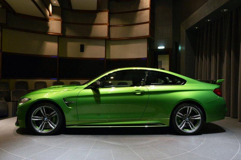 В Абу-даби представили 547-сильный BMW M4