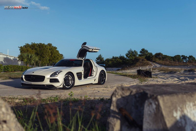 Mercedes SLS AMG Black Series от RENNtech