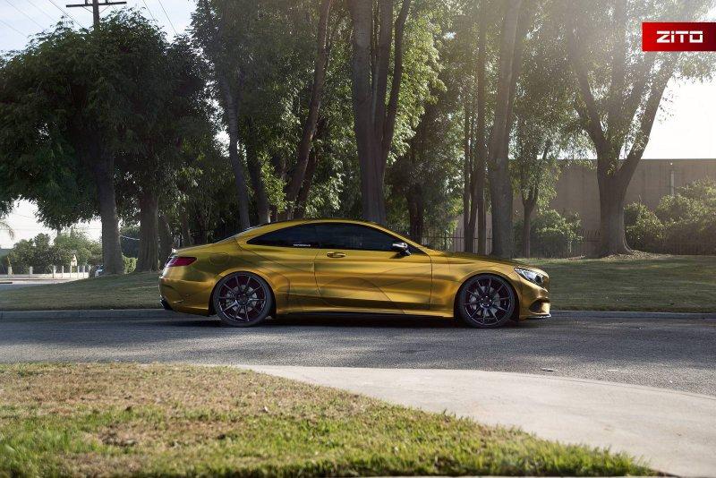 Золотой Mercedes-Benz S500 Coupe от Impressive Wrap